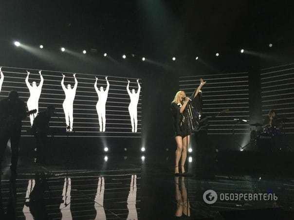 ALLOISE підкорила Меладзе нескромним міні під час Нацвідбору на Євробачення
