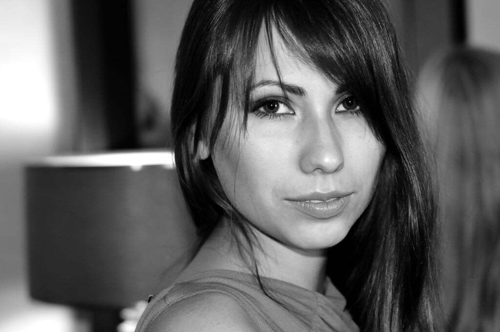 Найсексуальніша комментаторша Росії зганьбилася в першому ж ефірі: відео курйозу