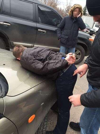 СБУ затримала на хабарі поліцейських з Обухова: подробиці