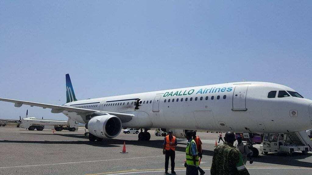 В Сомали из-за взрыва экстренно сел самолет