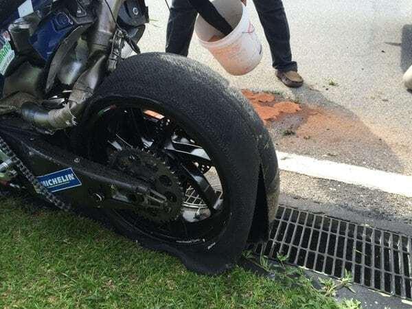 Известный гонщик разбился на скорости 290 км/ч: видео крушения