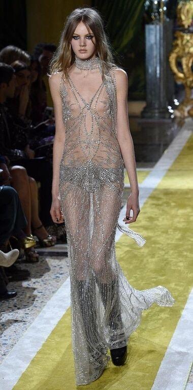 Тиждень моди в Мілані: стиль 70-х в показі Roberto Cavalli