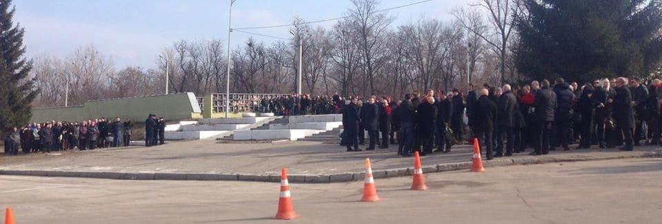 """""""Мы бессильны"""": в Харькове Кернес расплакался на похоронах Димента"""
