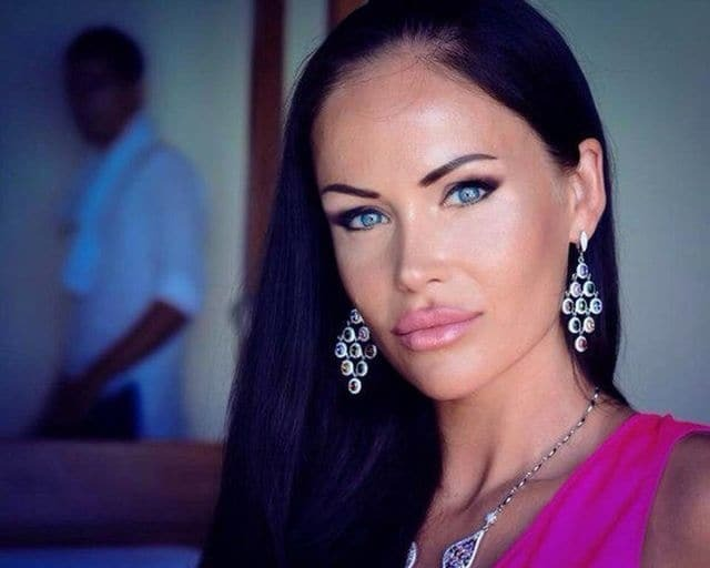 """Карколомна дружина новачка """"Динамо"""" викликала фурор у фанатів: яскраві фото"""