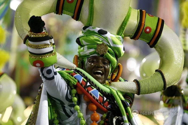 Фантастическое зрелище: в Рио-де-Жанейро стартовал традиционный карнавал