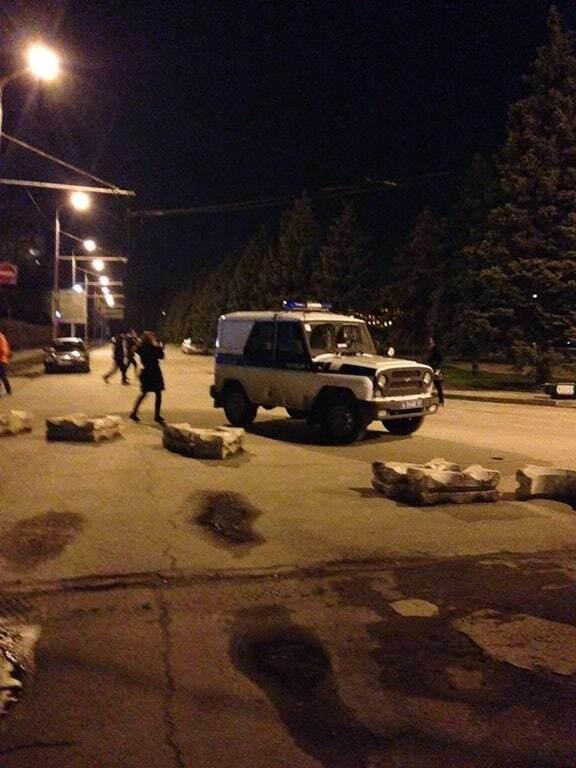 З аеропорту в Ростові евакуювали пасажирів: опубліковані фото