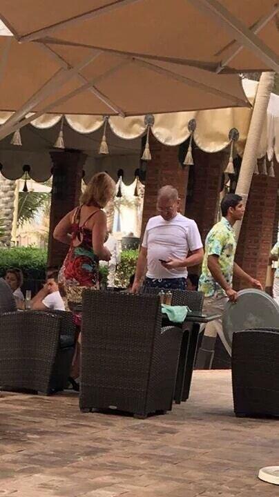"""Не покладаючи рук: Пашинського застукали на """"роботі з виборцями"""" в Дубаї"""