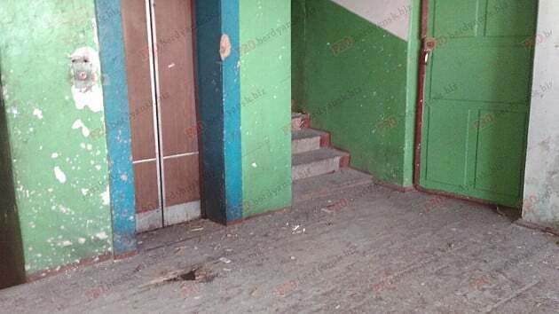 В Бердянске в многоэтажке взорвалась граната: есть пострадавшие