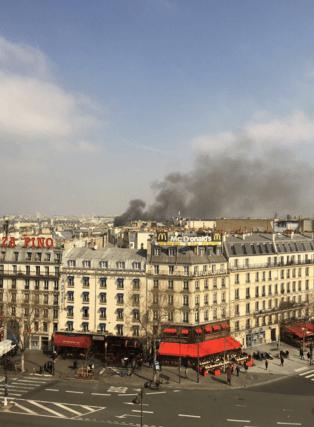 В центре Парижа прогремел взрыв, 17 человек ранены