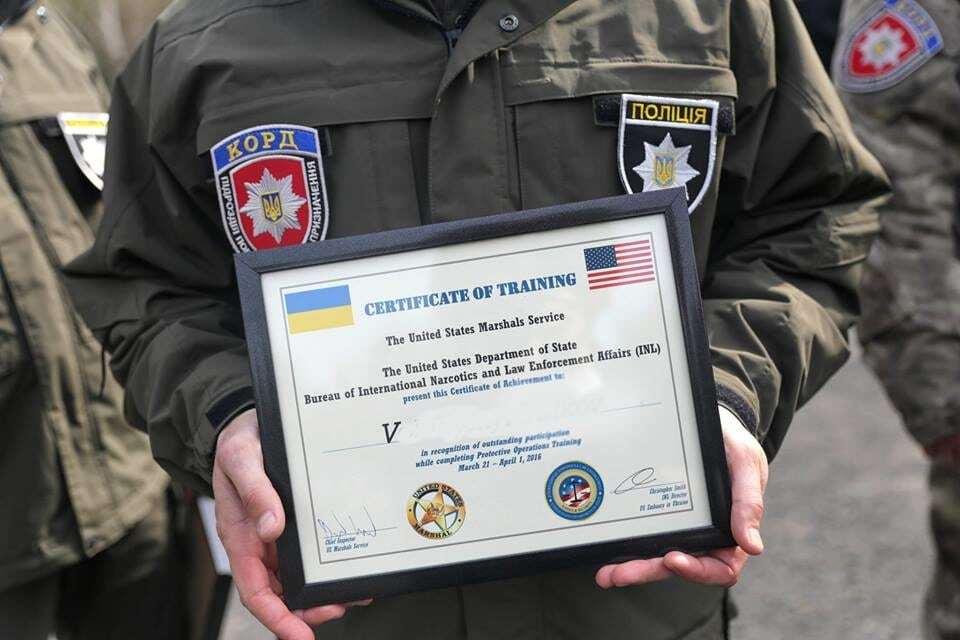Маршали США підготували перших інструкторів спецназу Нацполіції КОРД