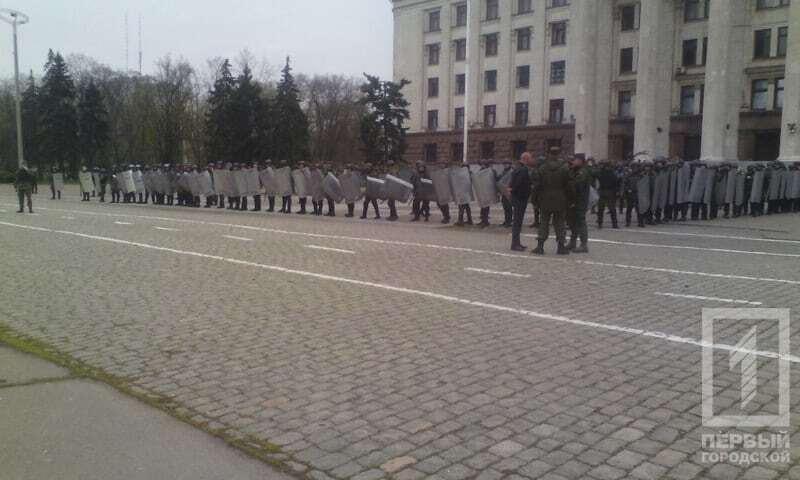 В Одесі відбулися зіткнення через георгіївські стрічки і прапор Росії: опубліковані фото