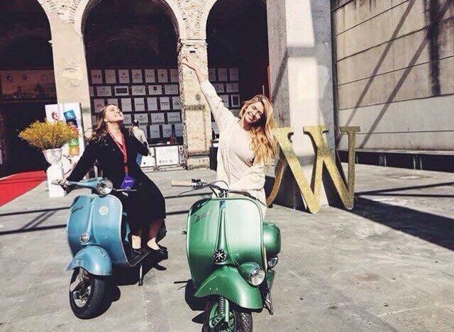 Брежнєва розважилася у Флоренції з красенем: опубліковано фото