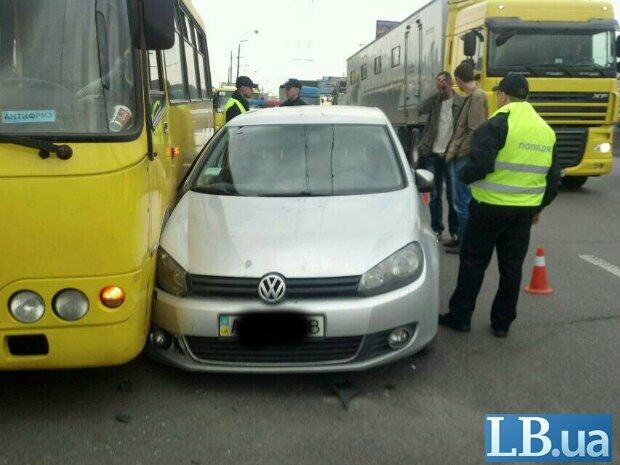 В Киеве пьяные сотрудники полиции устроили аварию