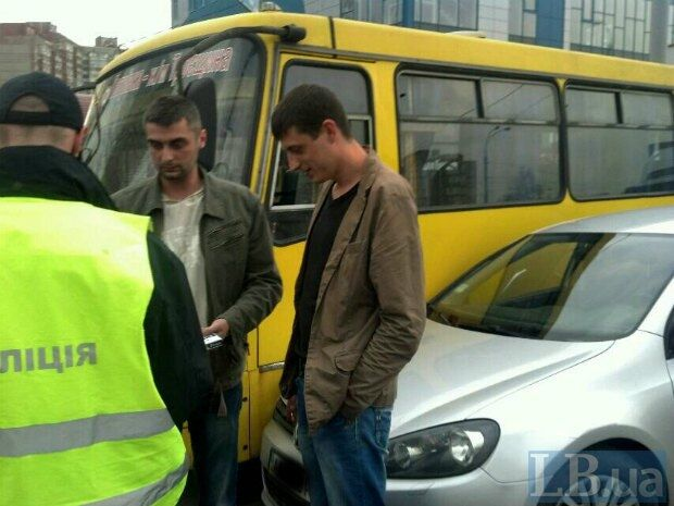 У Києві п'яні співробітники поліції влаштували аварію: фоторепортаж