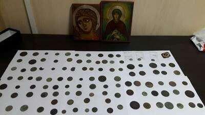 """Силовики не пустили в """"ДНР"""" презервативи й одяг - СБУ"""