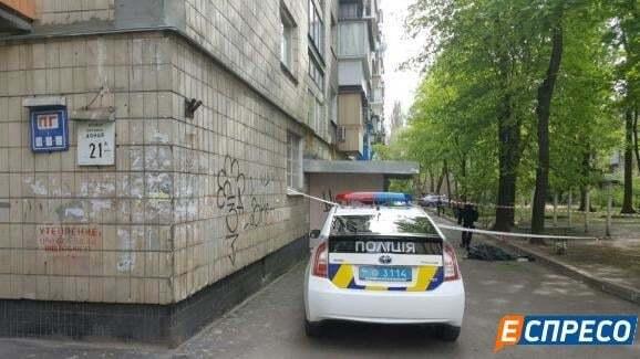 У Києві відомий політолог випав із дев'ятого поверху - ЗМІ