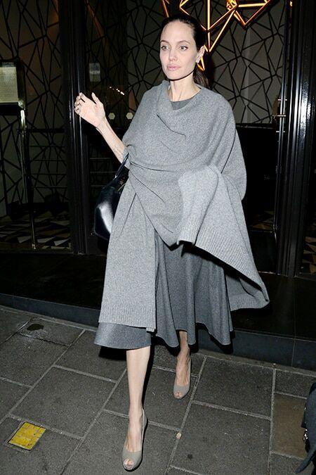 Відтінки сірого: болісно схудлу Джолі сфотографували у Лондоні