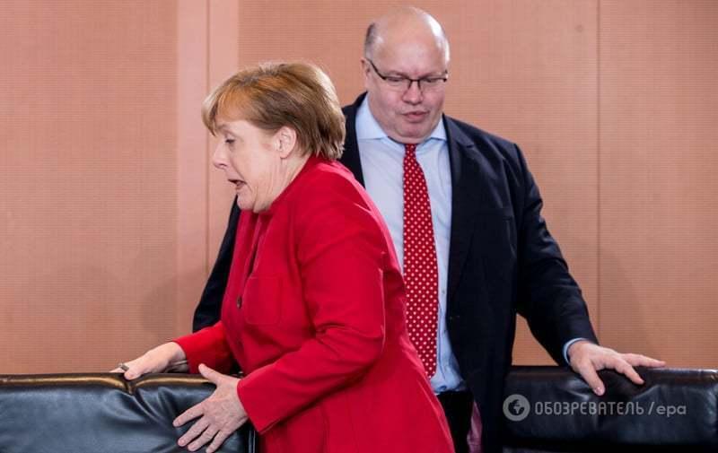 """Меркель не сдержала эмоций во время """"маневра"""" в канцелярии"""
