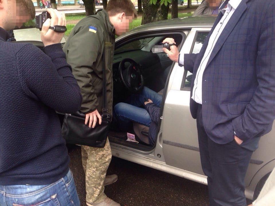 Роковая взятка: на Полтавщине СБУ поймала на горячем майора полиции