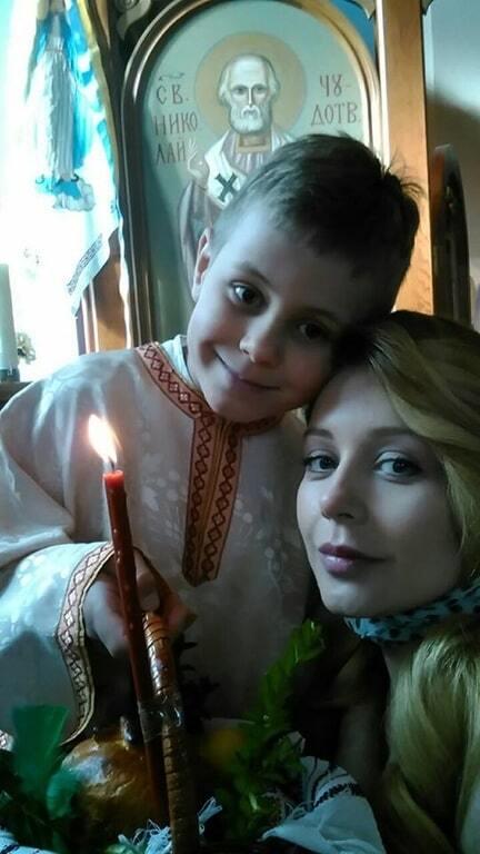 Как звезды отмечают Пасху: Яремчук в Израиле, Кондратюк на работе, а Кароль и Полякова с детьми
