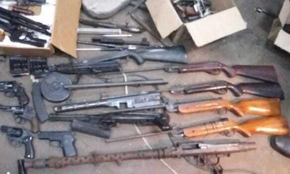На київському заводі виявили величезний склад зброї