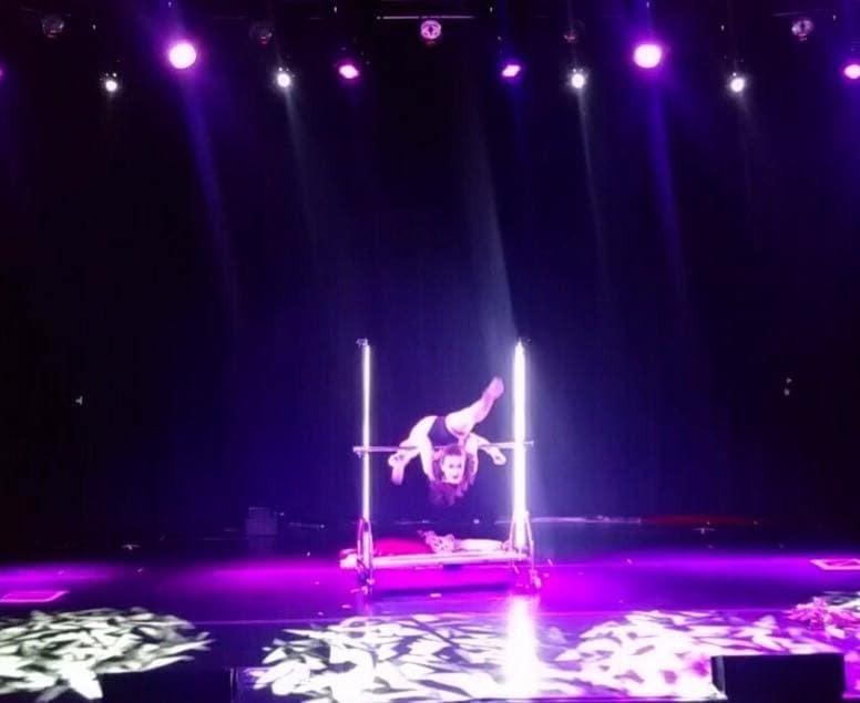 Украинская гимнастка презентовала в Лас-Вегасе эффектное шоу