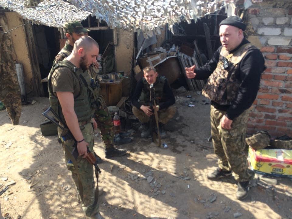 Терористи обстріляли українських військових під Авдіївкою, є поранені