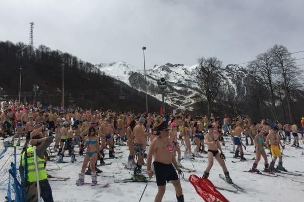 Полуголые горнолыжницы установили новый мировой рекорд
