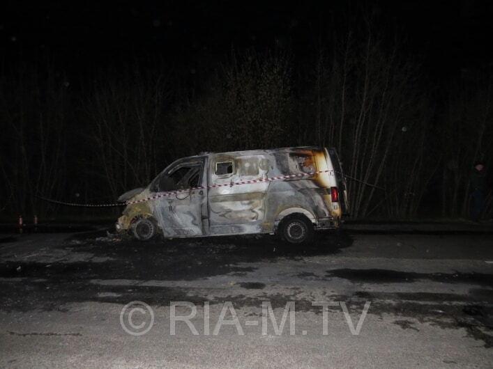 Напад на інкасаторів: у Мелітополі обстріляли і спалили авто з охоронцями. Фоторепортаж