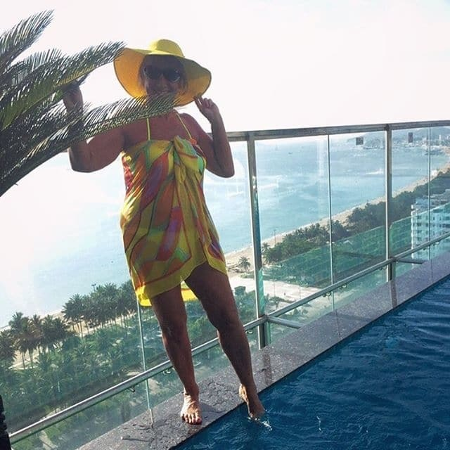 60-летняя Копенкина зажгла в бикини на пляжах Вьетнама