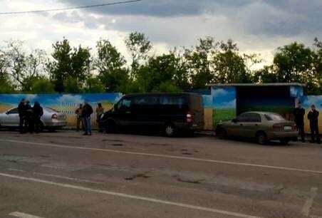 """СБУ викрила схему нелегальних перевезень пасажирів у """"ДНР"""" та """"ЛНР"""""""