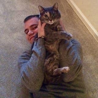 Парень повел на выпускной кошку вместо девушки: опубликованы фото