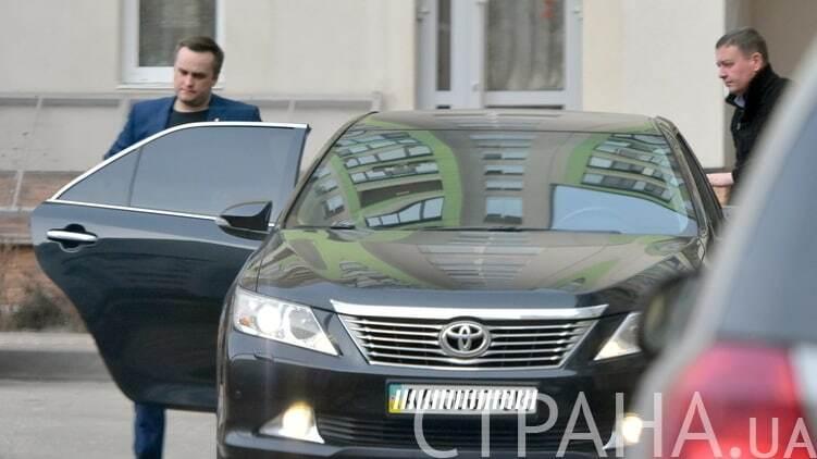 Завидный холостяк: названа зарплата главного борца с коррупцией в Украине