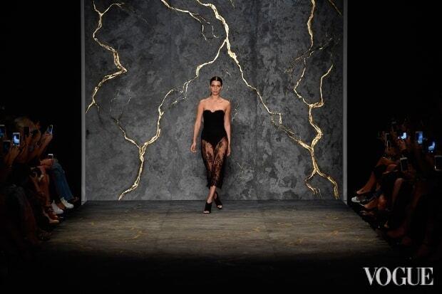 Відома американська модель вийшла на подіум за $400 тисяч