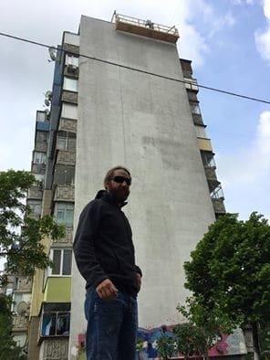 В Киеве на проспекте Бажана появится 30 муралов