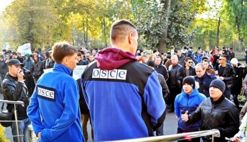 Примусово: терористи звезли людей на мітинг у Донецьку
