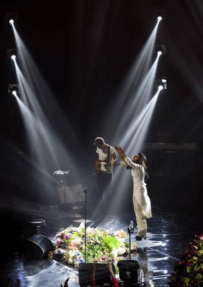 Порошенко пригласил на концерт Джамалы бойцов АТО