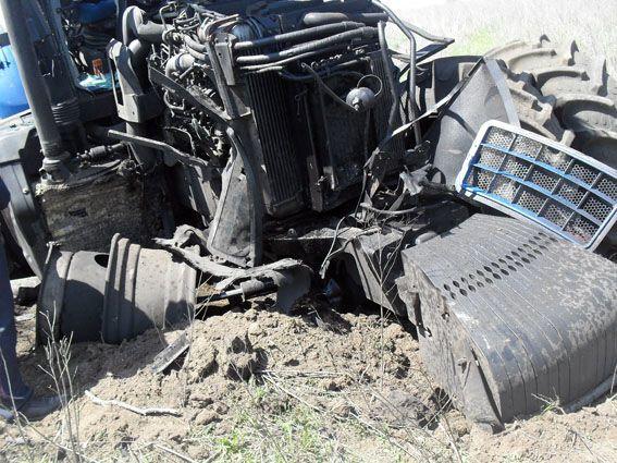 Поблизу Гнутова на міні підірвався трактор
