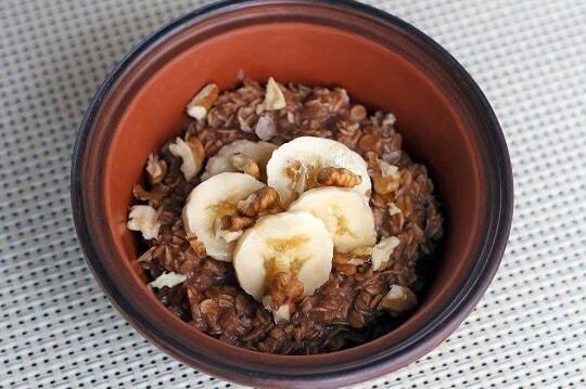 Шоколадная овсяная каша с бананом: рецепт от Джейми Оливера