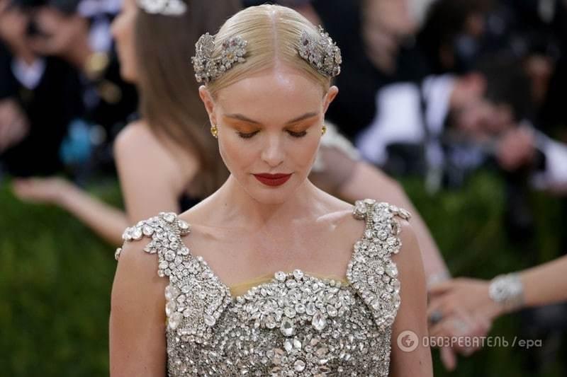 Мрачная Кэти Перри и футуристическая Сиара: макияжи и прически звезд на Met Gala 2016