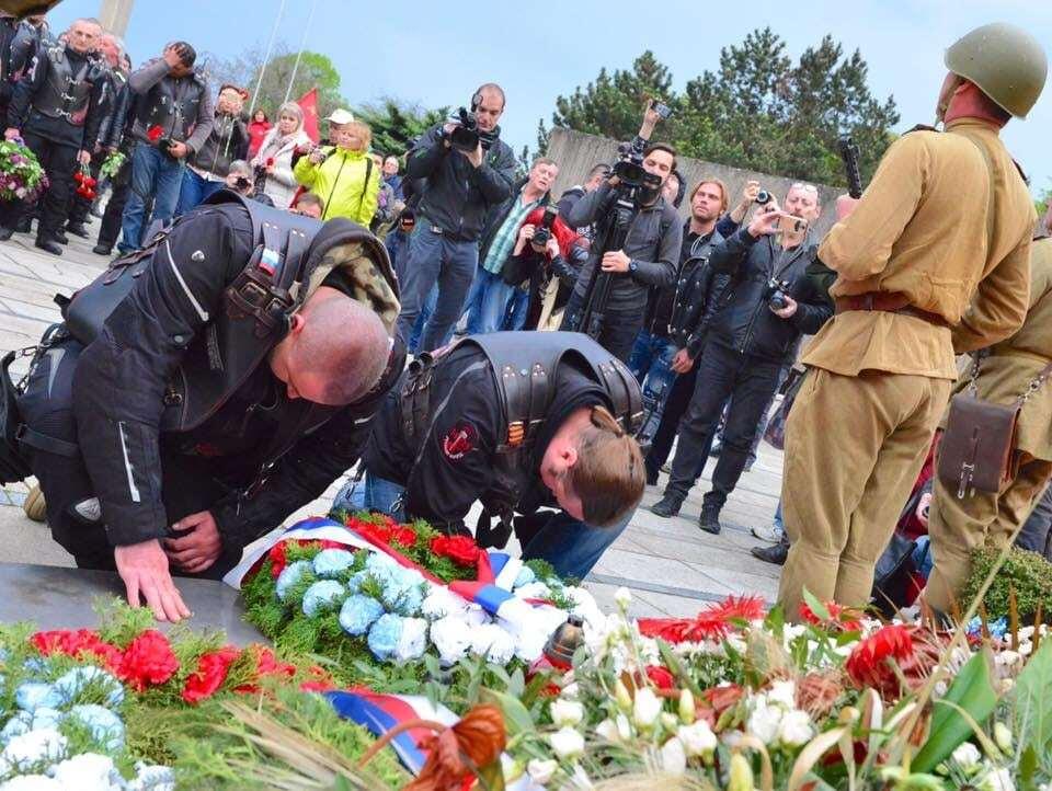 """""""Друзі Путіна"""" в ЄС: чеського політика побачили в компанії """"патріотів Росії"""""""