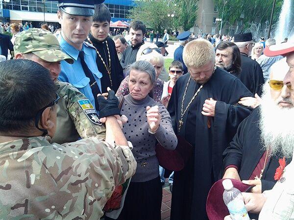 У Мелітополі священик з георгіївською стрічкою спровокував бійку