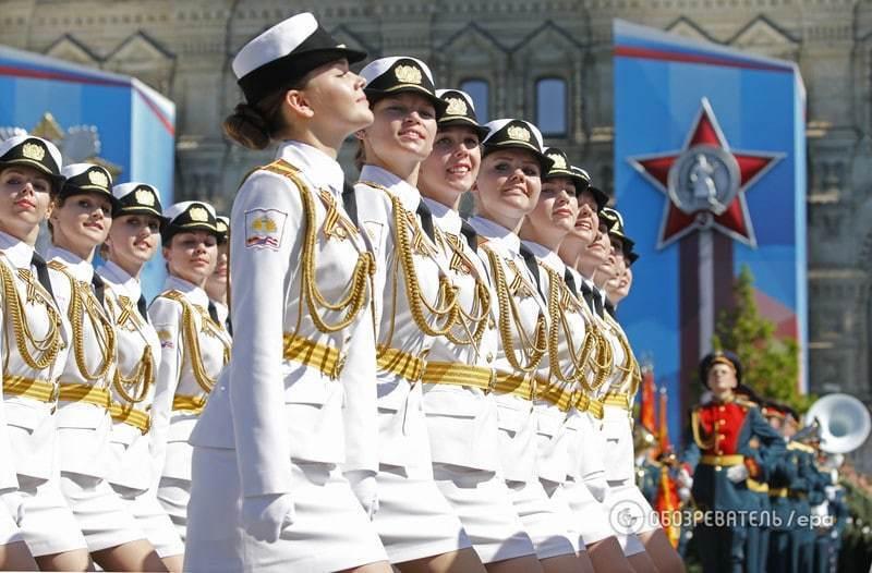 """Захід шокувала армія в міні-спідницях російського """"мачо-лідера"""" Путіна"""