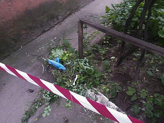 В Мариуполе во дворе высотки обнаружили гранату в боевой готовности