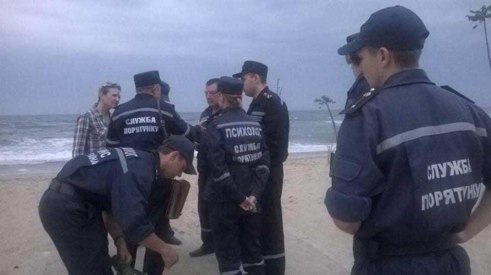 На курорте под Одессой во время шторма утонули четверо людей