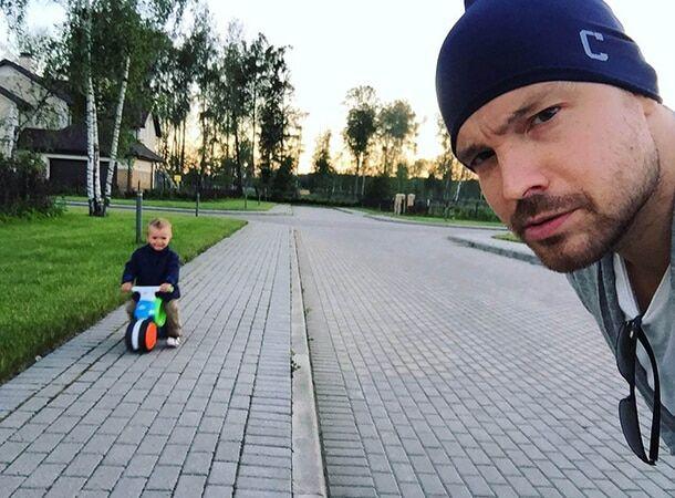 Алексей Чадов показал подросшего сына от Агнии Дитковските