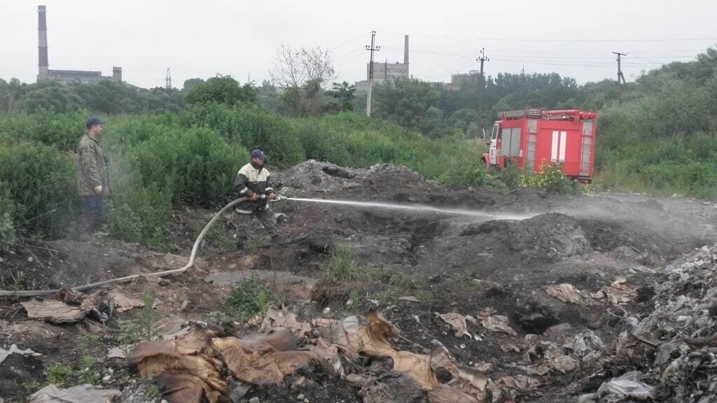 Два дня в дыму: на Львовщине вспыхнул пожар еще на одной свалке