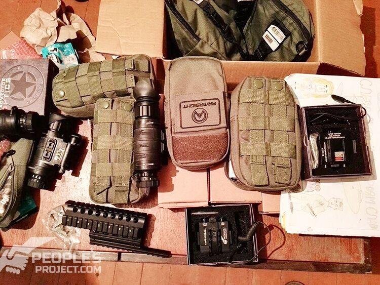 Терористи б'ють по Авдіївці снарядами, що пропалюють навіть залізо: волонтери просять допомогти