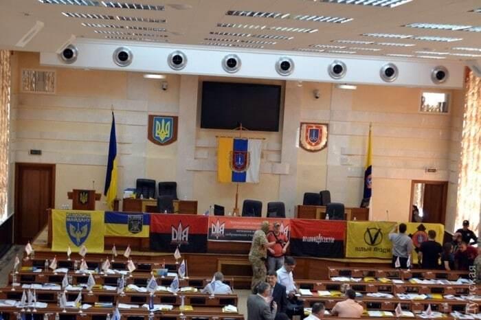 Саакашвили и люди в камуфляже: СМИ узнали о срыве сессии Одесского облсовета