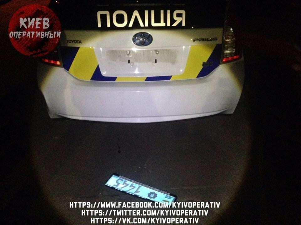 В Киеве пьяная компания устроила драку с полицией